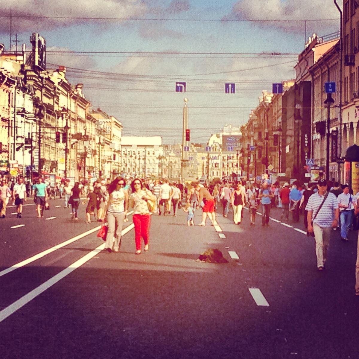 reclaiming Nevsky Prospect forpedestrians